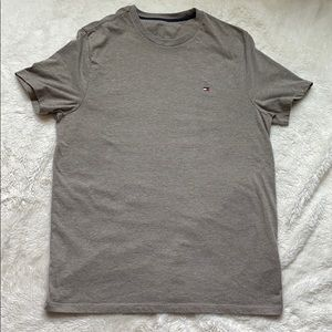 Tommy Hilfiger gray brown T-shirt M